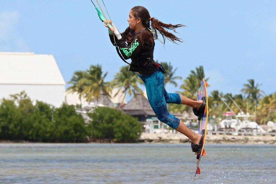 Apprendre le kitesurf, comment se déroule le stage?
